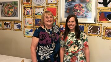Yarm Mayoress celebrates the power of art with local care home