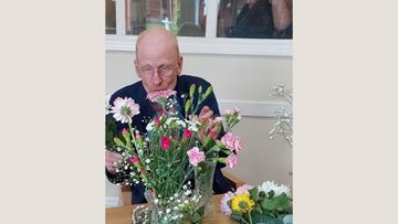 Flower arranging afternoon for Cheshire Residents