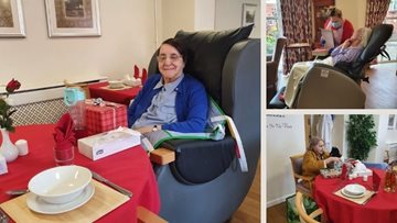 Community brings Christmas cheer to Nottingham care home
