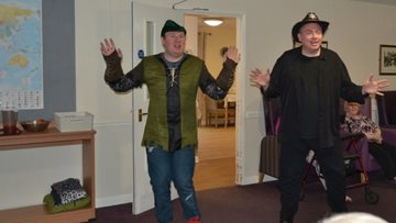 White Gables Residents enjoy Special Panto Performance