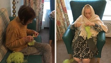 Manchester Residents enjoy knitting and a natter