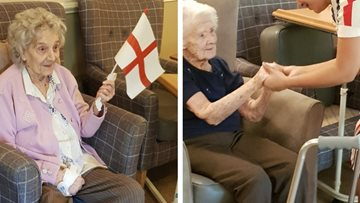 Residents delighted by musical afternoon at Stamford Court