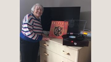 Ayrshire care home Residents get in the groove as they enjoy blast from the past