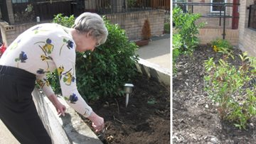 Resident helps prepare new sensory garden at Stirling care home
