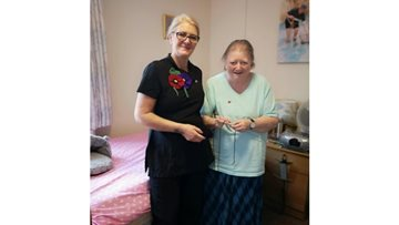 Talented Resident knits beautiful poppies for Remembrance Day