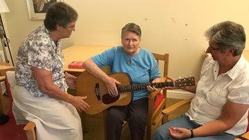 Quarry Hall Residents move to the beat for music therapy