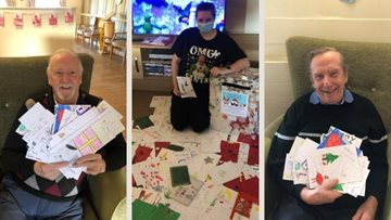 Falkirk care home receive Christmas cards from the community