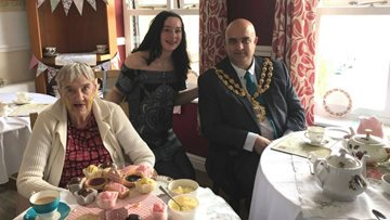 Avalon Park has Tea with Mayor