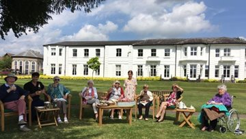 Thamesfield care home Residents enjoy Henley Royal Regatta