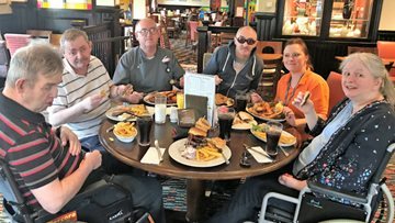 Callands Residents enjoy a Lunch out and trip to Wally Gardens