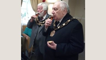 Mayor of Lincoln pays special visit to Altham Court care home
