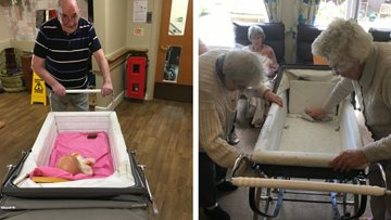 Vintage pram helps Residents reminisce