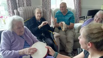 Musical Moments get care home Residents moving