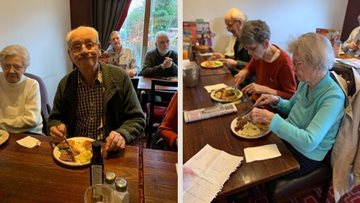 Maple Court Residents delight at lunch outing