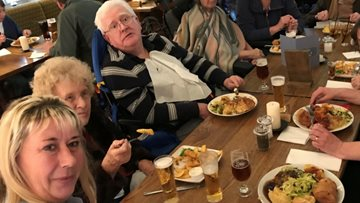 Residents from Avon Court enjoy lunch at local pub
