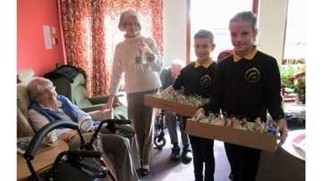 Barnardo's and local primary school join Cradlehall for their Easter celebrations