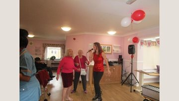 Love is in the air at Manor Park care home