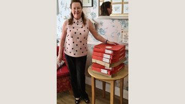 Bath care home receive free pizzas from Dominos