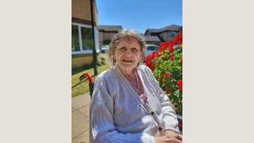 Watford care home Residents enjoy afternoon in the sun