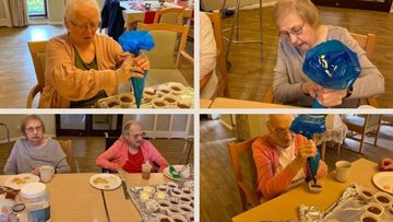 Residents at Beechcroft care home enjoy cake decorating