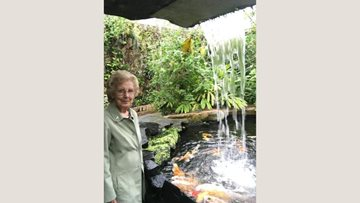 Defoe Court goes to Butterfly World