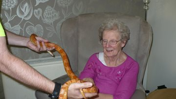 Wallyford care home welcomes ZooLab