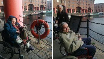 Brookdale View Residents enjoy a trip back in time at Albert Docks