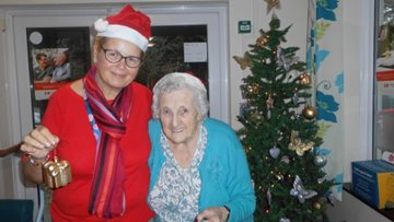 Meadowlands Residents enjoy Christmas trip out together