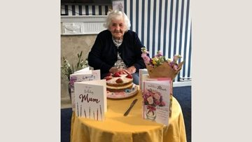 Former Old Gates nurse and current Resident celebrates birthday