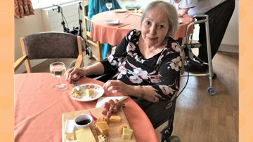 Plas Cwm Carw enjoy a Sophisticated Lunch