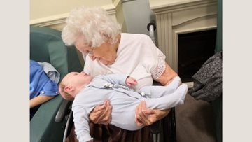 Tipton care home Resident delighted to welcome 4th generation family member