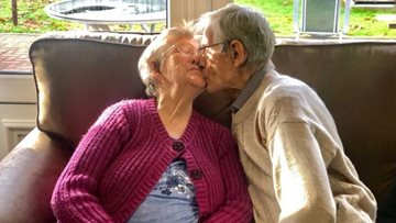 Platinum wedding anniversary for care home couple celebrating 70 years together