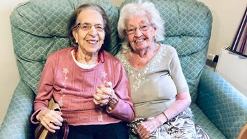 Childhood friends of 78 years are reunited at Mansfield care home
