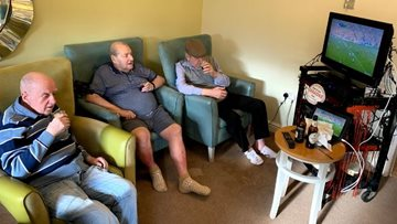 A sociable afternoon as Oldham care home Residents visit gentlemen's club