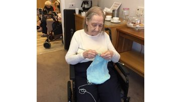Reminiscent knitting session for Residents at Hawthorn Court