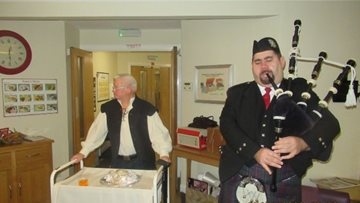 Robert Burns remembered at Dundee care home