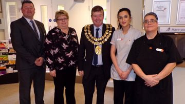 Mayor of Stockport celebrates Dignity Action Day at Newlands