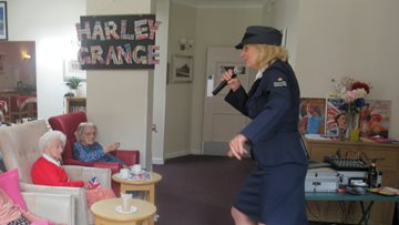 Leicester care home commemorates WWII