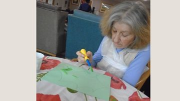 Cambridgeshire home Christmas craft and sing-along