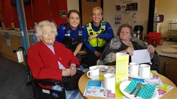 Roseberry Residents support local police on Cupcake Day