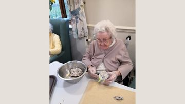Waterside care home Residents help feathered friends