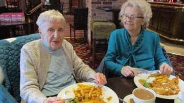 Avalon Park Residents enjoy reminiscent lunch together