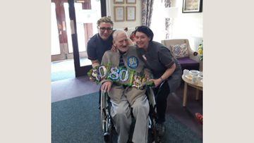 80th birthday celebrations at Glasgow care home