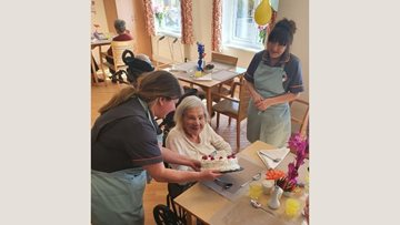 Hull care home Resident celebrates 104th birthday