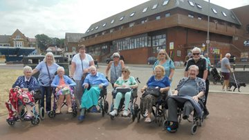 Whittlesey care home Residents enjoy seaside trip thanks to local Lions Club