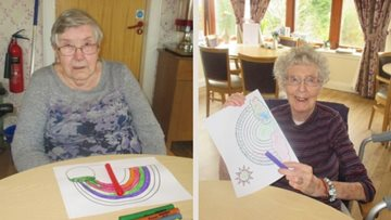 Scone Residents draw rainbows to spread joy