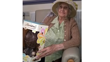Ilkeston care home hosts Easter bonnet competition