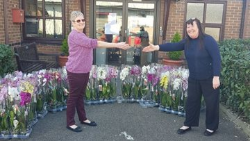 Leigh care home receives generous donation from local garden centre