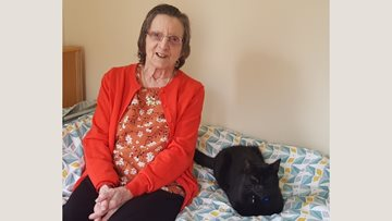 Berry Hill Park organises the purrfect surprise for cat-loving Resident