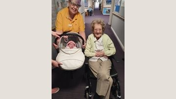 Barleystone Resident meets visitor with a century sized age gap